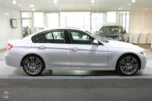 Load image into Gallery viewer, 【官方Demo车】2018 BMW 320D M SPORT,首付21200,月租低至1410