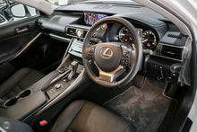 Load image into Gallery viewer, 【官方Demo车】2018 Lexus Is300 Luxury ASE30R轿车,首付17500,月租低至1159