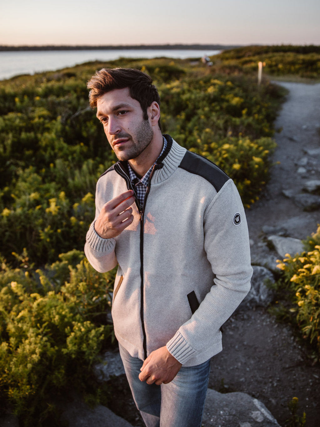 Mike Full Zip Windproof -Grey - Island Outfitters
