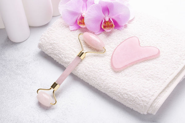What's the Difference Between Jade Rollers And Gua Sha – A Guide to Stress-Free Beauty