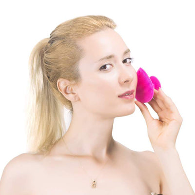 Face massage silicone brush for skincare from Lierre.ca Canada