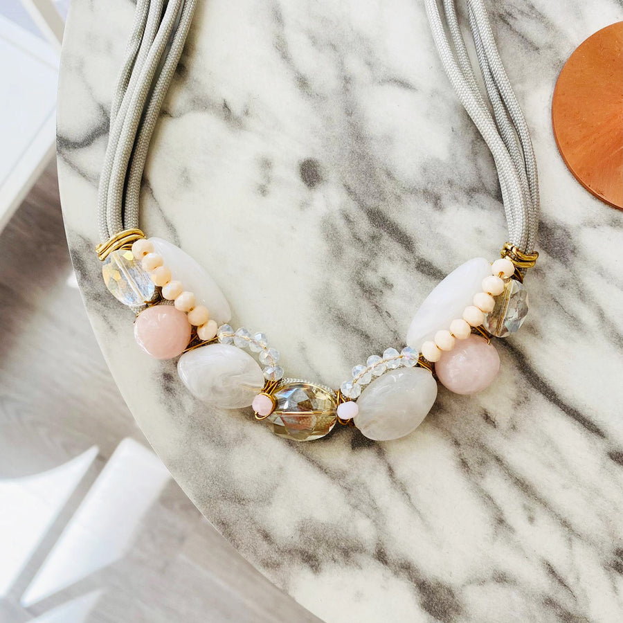 Rose quartz minimal statement