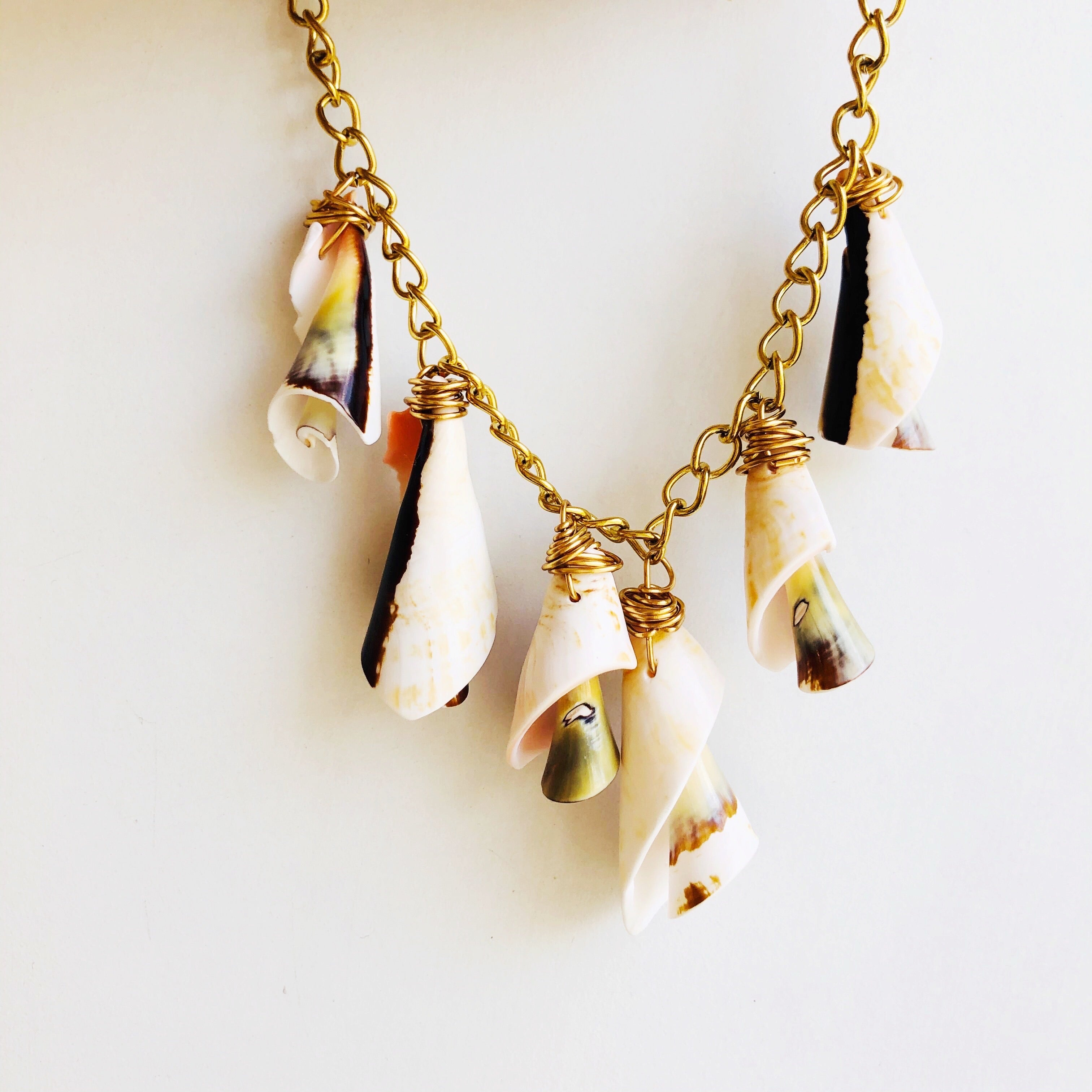 **Sale** Sea shell charm necklace