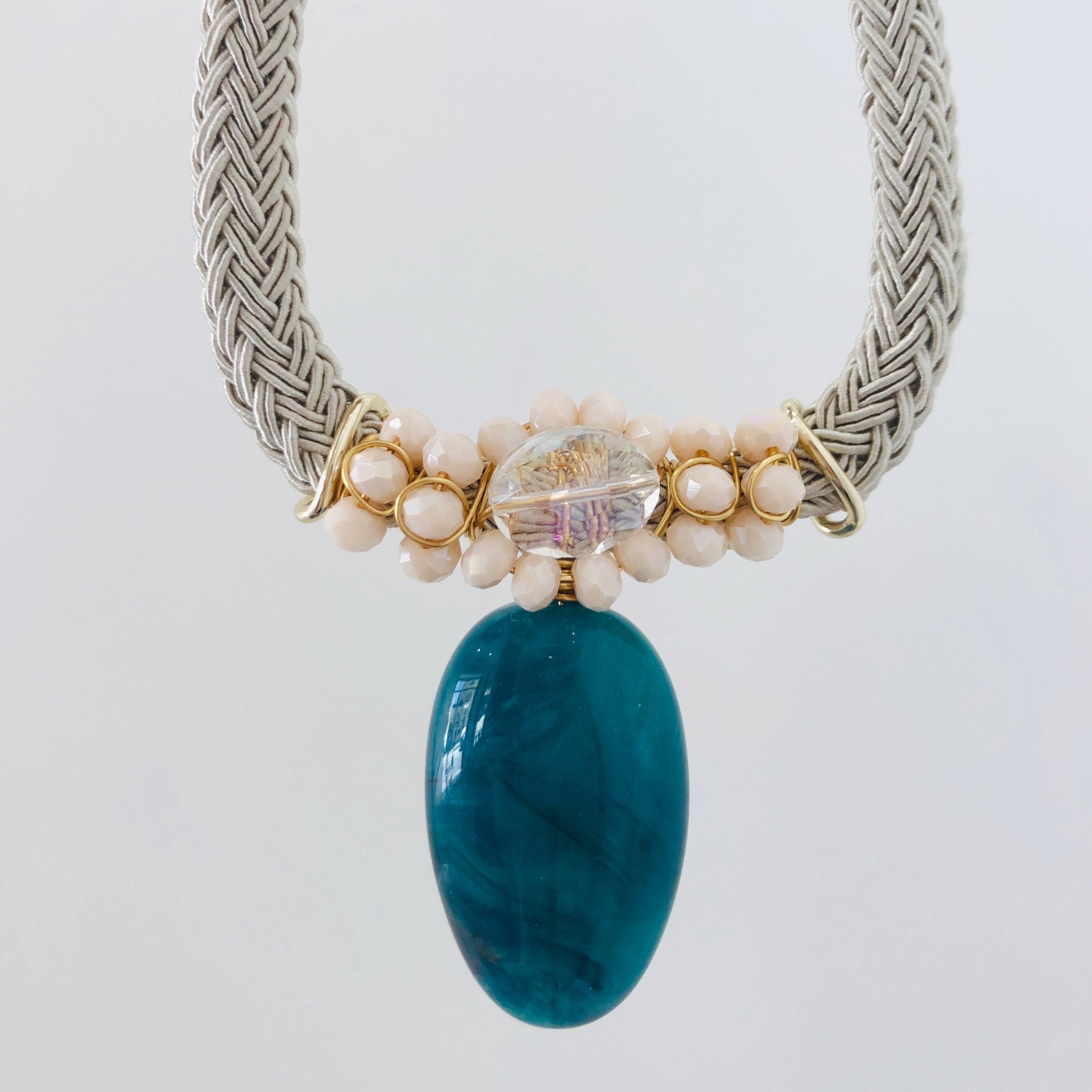 Teal & champagne short necklace