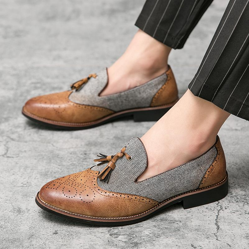 Carved Tassel Pointed Toe Men's Leather Shoes