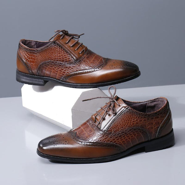 Crocodile pattern carved pointed toe men's business shoes