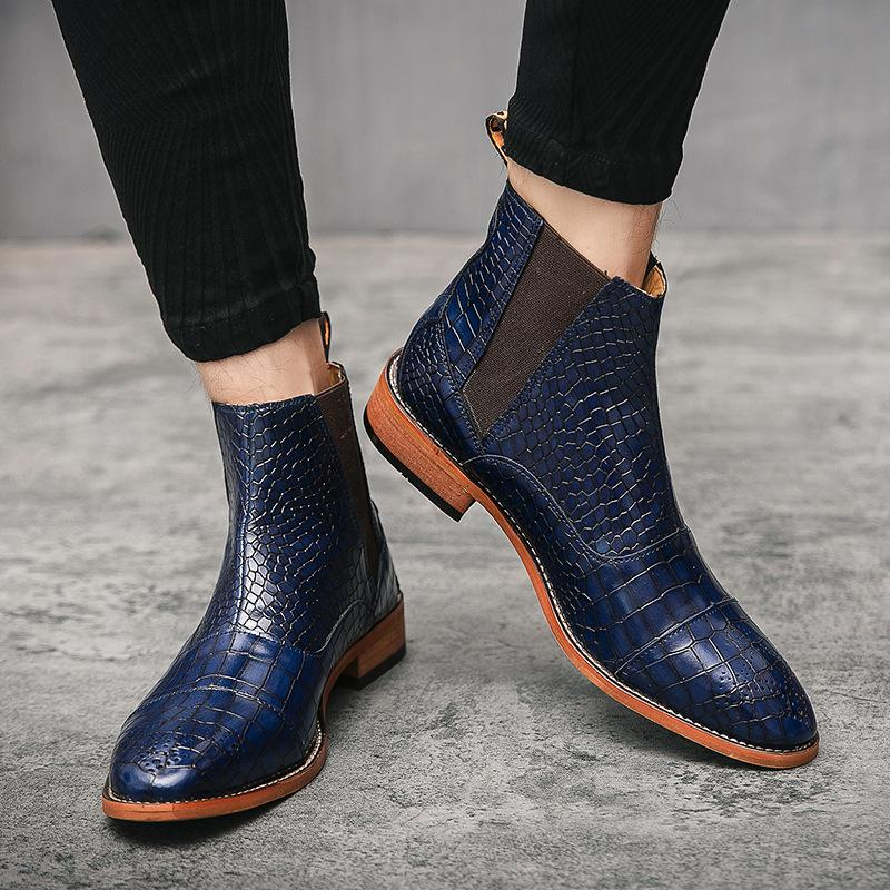 British Fashion Retro Crocodile Pattern Pointed Toe Ankle Boots