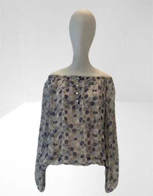 Cream lined print bloused top.