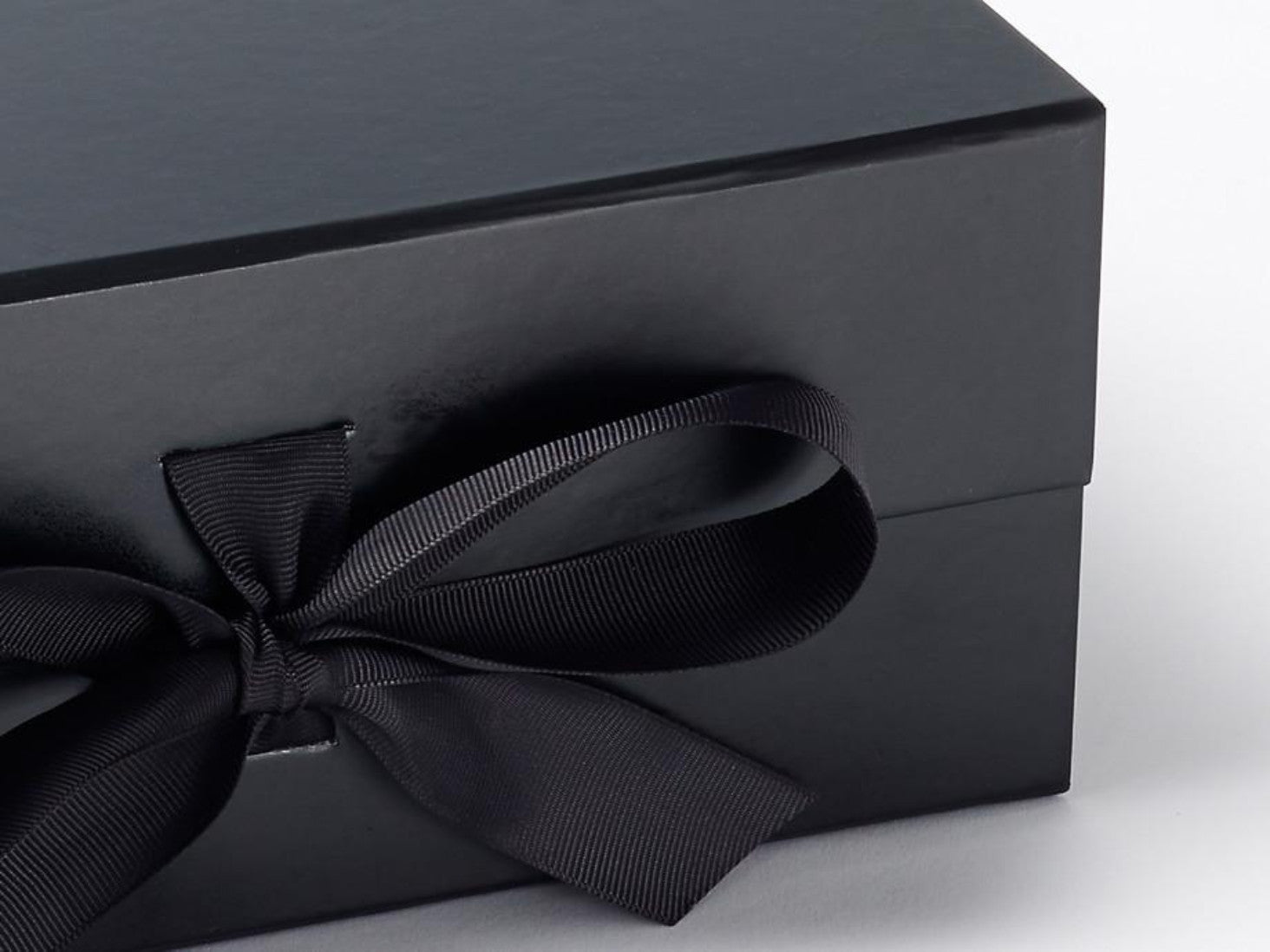 Luxury Folding Black A5 Gift Hamper Box With Magnet Snap