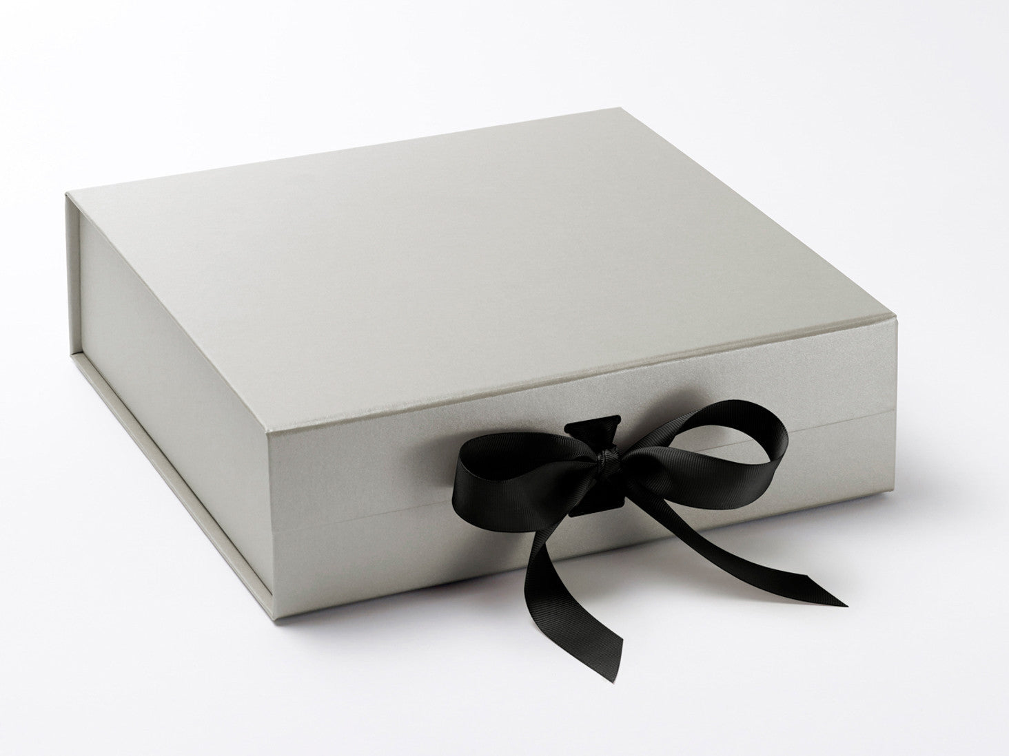 Silver Gray Large Foldable Gift Boxes with Changeable Ribbon ...
