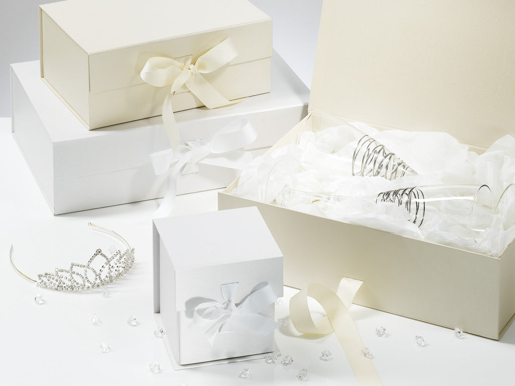 Wedding Gifts Boxes: Wholesale Luxury White A4 Shallow Folding Gift Box And