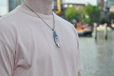 Luxe feather necklace - Urban Chains