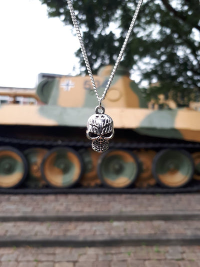 Flamed Skull necklace - Urban Chains