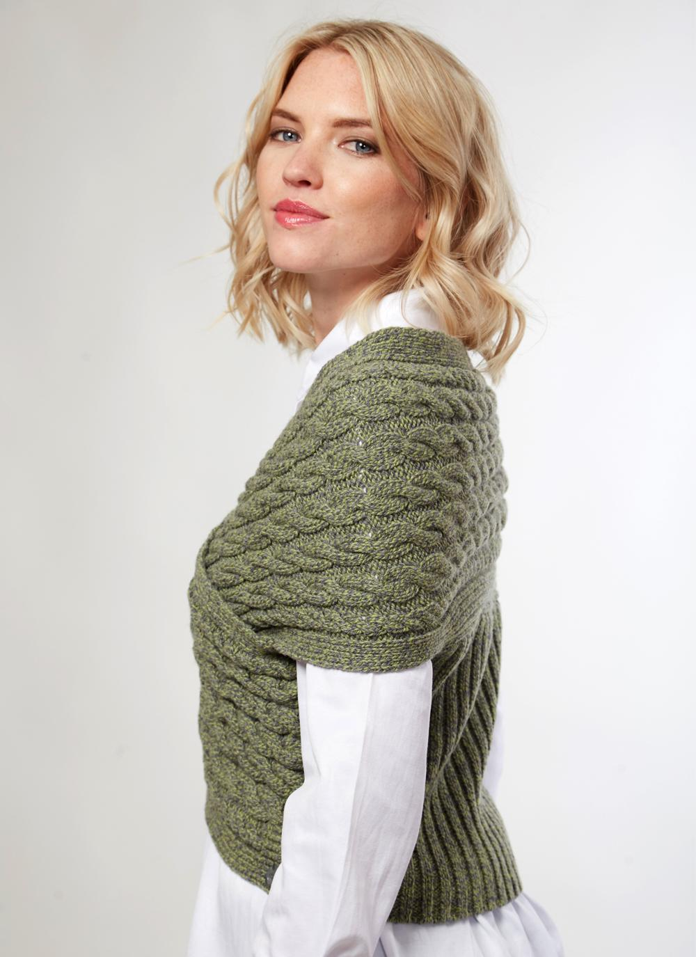 Womens Fisherman Aran Cable Wrap in Wool & Cashmere - Green