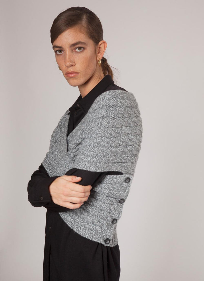 Womens Fisherman Aran Cable Wrap in Wool & Cashmere - Pearl Grey