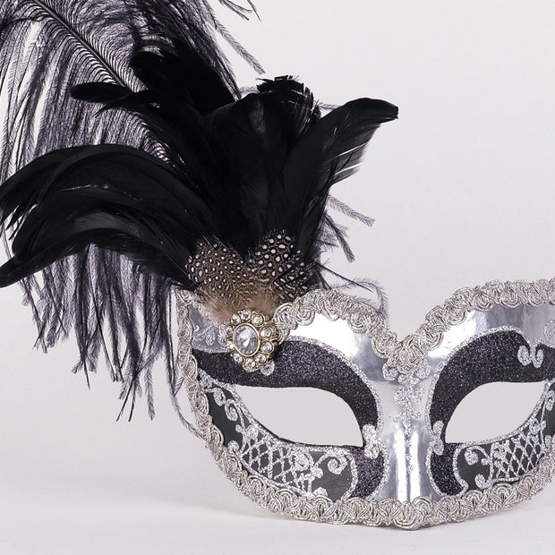 Detail eye_mask_can_can_silver_black