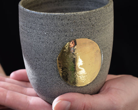 Gold circle stoneware cup