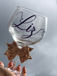 Personalised gin glass with glitter bow