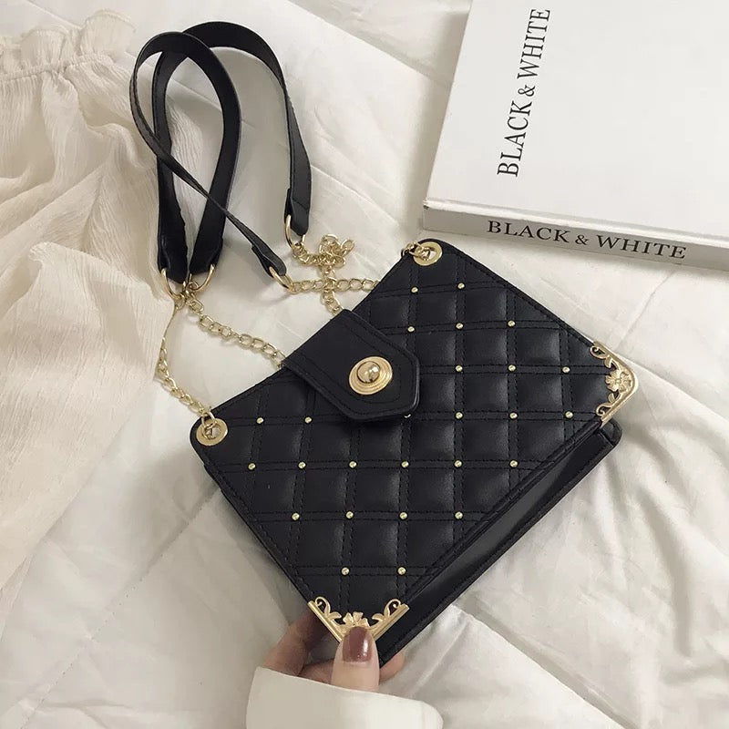 """Chloe"" Crossbody Purse"