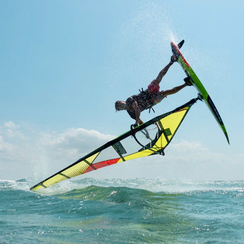 Felix Volkhardt jibe wear team rider freestyle Windsurf jump