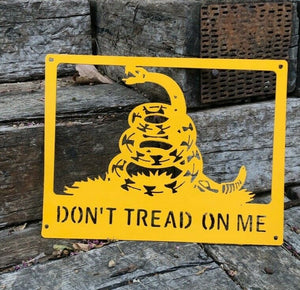 Don't Tread On Me Snake Flag - Woodpost Metalworks