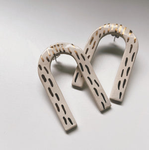 DARLING- white and gold arch studs - gloriafaye