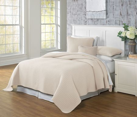 Clare-Linen-Coverlet