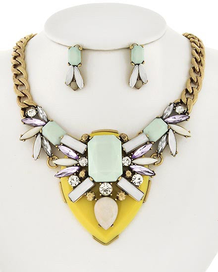 Chunky Statement Necklace  | www.sassyshortcake.com