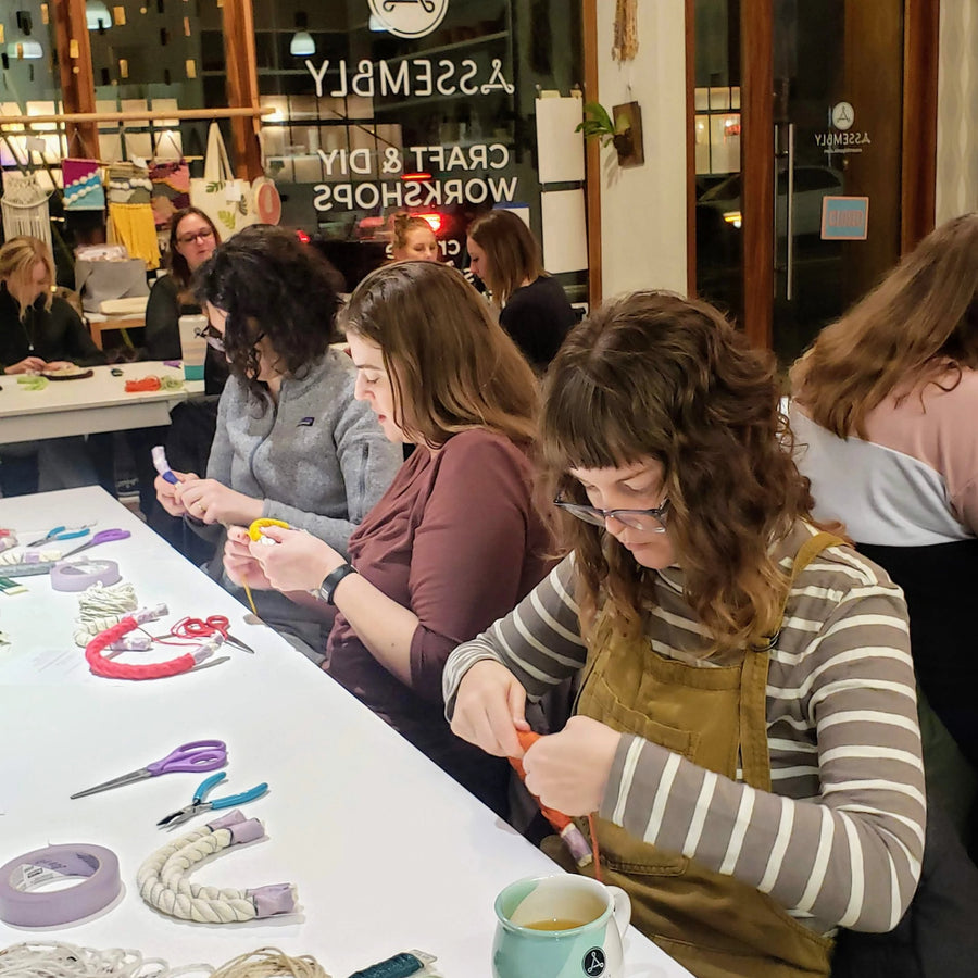 yarn craft art workshop