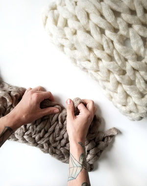 arm knitting with chunky yarn