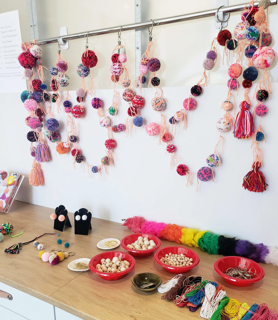 pom pom garland learn how to