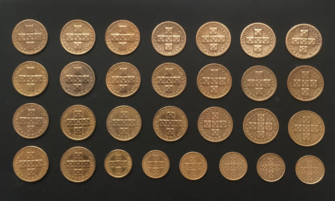 Complete set of 29 bronze old coins of 20 centavos - Portugal - 1942 to 1974  Facial value: 20 centavos Year: 1942 to 1974 Time: República Portuguesa from 1910