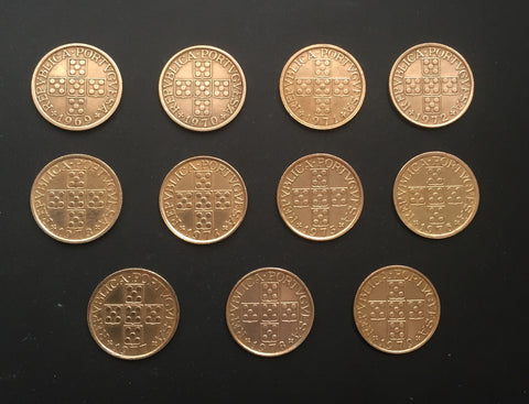 Complete set of 11 bronze old coins of 50 Centavos - Portugal - 1969 to 1979  Facial value: 50 centavos Year: 1969 to 1979 Time: República Portuguesa from 1910