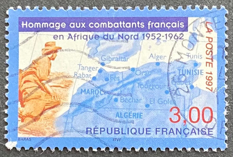 """Hommage aux combatants français en Afrique du Nord"" - Tribute to the French soldiers in Northern Africa - 3f used old stamp - France - 1997  Type: rotogravure Yvert & Tellier: 3072"