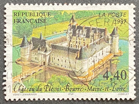 """Série touristique - Château du Plessis-Bourré (Maine et Loire)"" - Touristic series - Plessis-Bourré castle (Maine et Loire) - 4.40 francs used old stamp - France - 1997  Type: offset Yvert & Tellier: 3081"