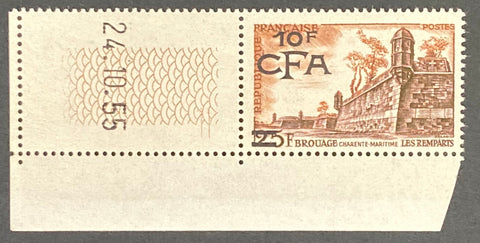 """Série touristique - Remparts de Brouage"" - Tourist series - Brouage ramparts - 25f surcharged 10f CFA mint never hinged old stamp - France - 1955  Type: taille-douce Yvert & Tellier France CFA pour la Réunion: 328 (surcharged on stamp 1042 for Reunion Island)"