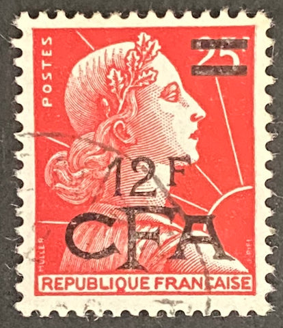 """Marianne de Muller"" - 25f surcharged 12f CFA used old stamp - France - 1955  Type: typography Yvert & Tellier France CFA pour la Réunion: 337A (surcharged on stamp 1011C for Reunion Island)"