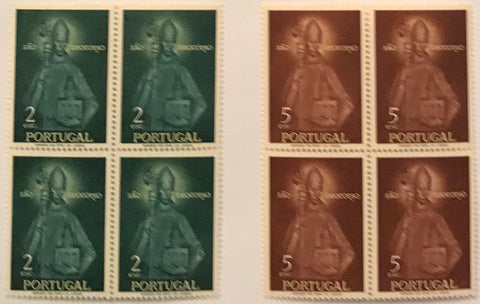 "Set of 2 blocks of 4 mint never hinged old stamps - ""Rainha Santa Isabel e São Teotónio"" - Queen Santa Isabel and São Teotónio - Portugal - 1958  Stamp 2$00 Afinsa 836 Stamp 5$00 Afinsa 838"