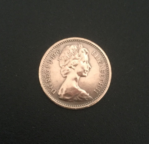 Queen Elizabeth II - 1/2 new Penny old coin - Great-Britain - 1976  Facial value: 1/2 new Penny Year: 1976 Time: Queen Elizabeth II (since 1952)