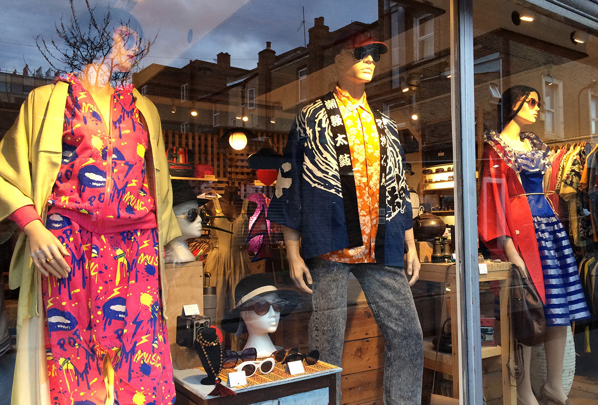 Mero Retro Spring window
