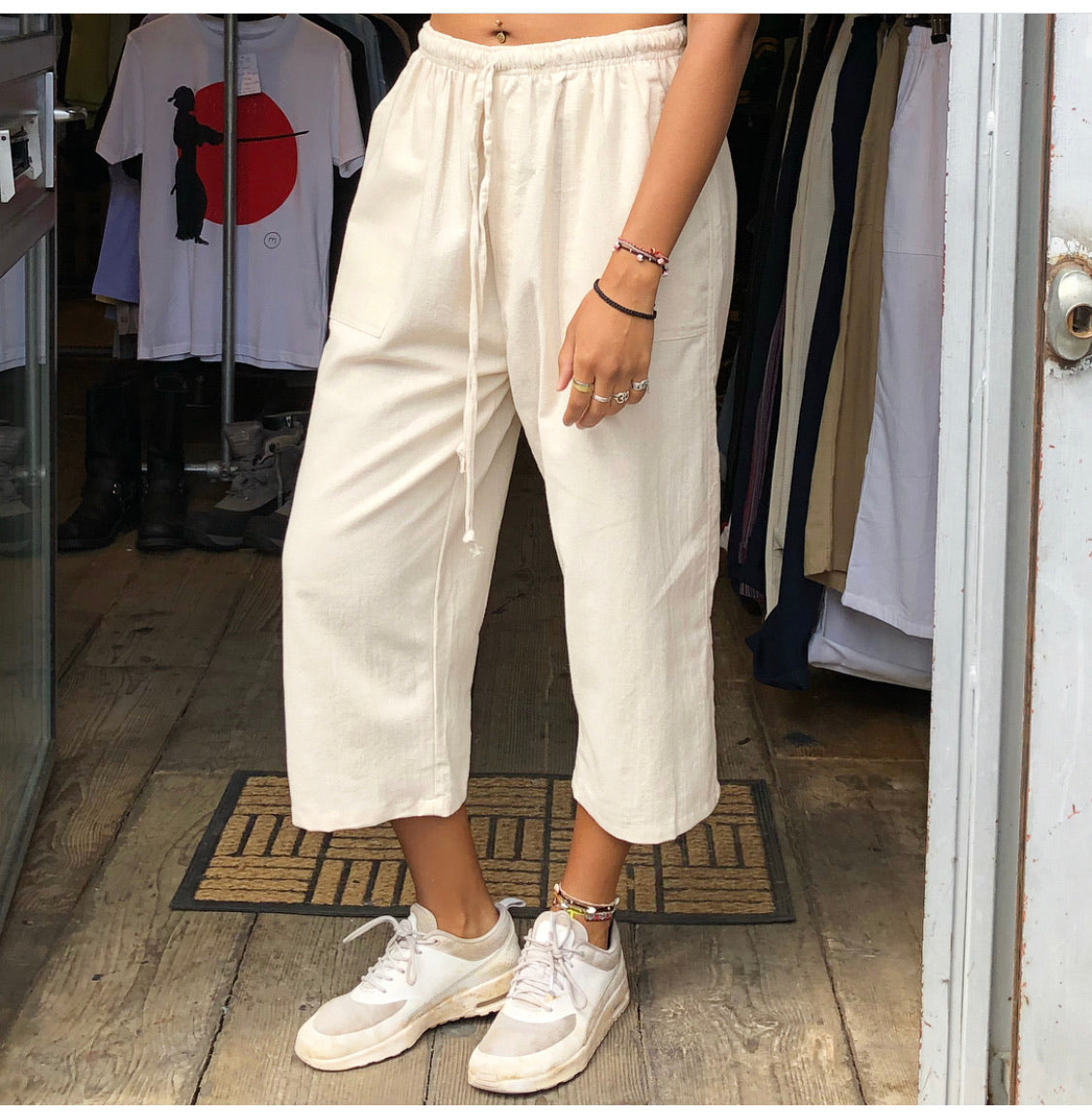 Unisex One Size Cropped Cotton Trousers