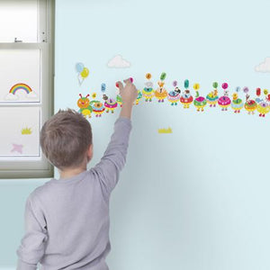 Fiesta Crafts UK-  Alphabet Caterpillar Wall Stickabouts (英國Fiesta Crafts趣味學習字母牆貼)