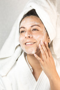 Gel facial astringente