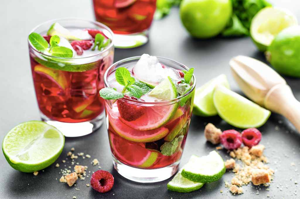 16 Diet and Lifestyle Tips to Manage an Overactive Bladder, beverages