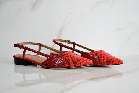 products/Bella_Flat_red_PAR.jpg