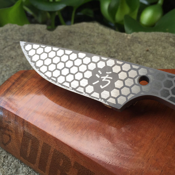 Dirte Knives - Titanium Knife - Honeycomb TiCK - Front Blade Detail