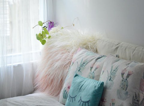 10 Ways to sleep better in a cozy bed