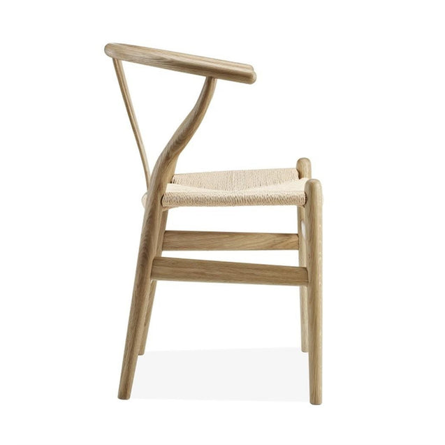 Wishbone Chair CH24 Y Chair - Ash - Reproduction | GFURN