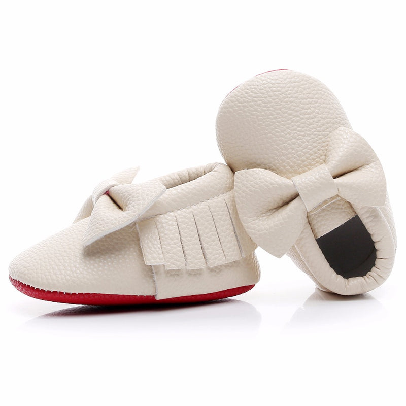 Bow vegan moccasins collection in off white