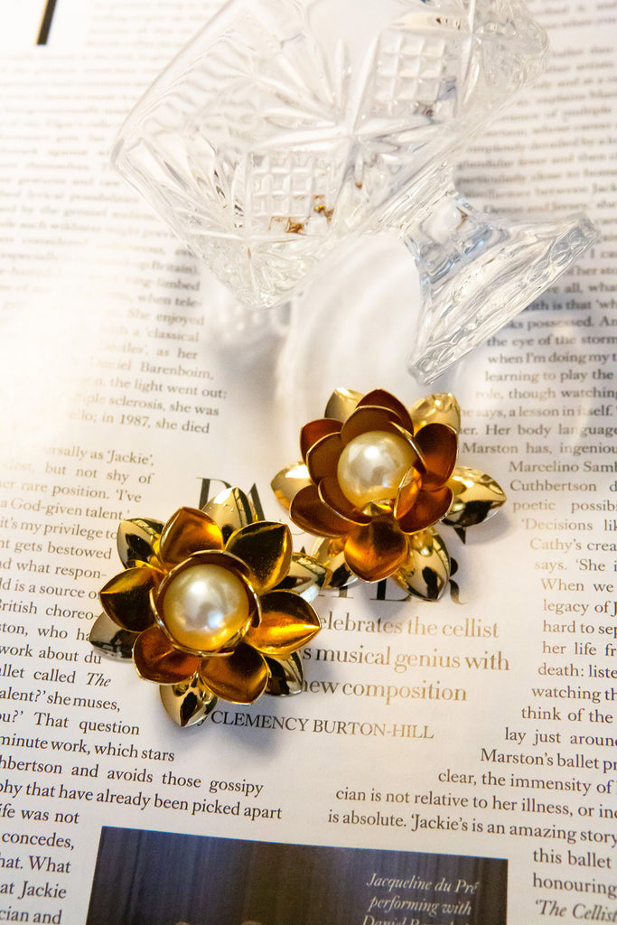 Floral Earring with Pearl center